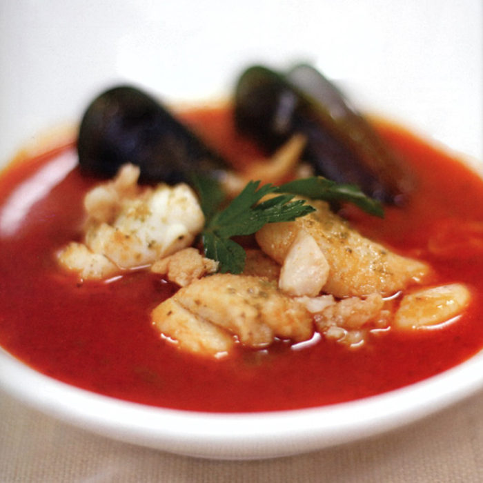 Soupe aux fruits de mer méditerranéens au Moutai