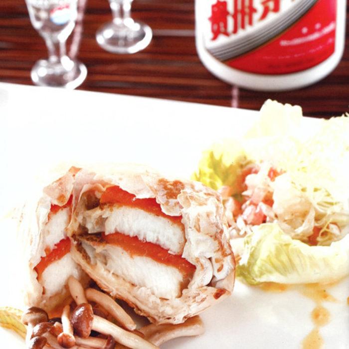 香酥纸焗银鳕鱼拌茅台柠檬汁及柚子沙拉